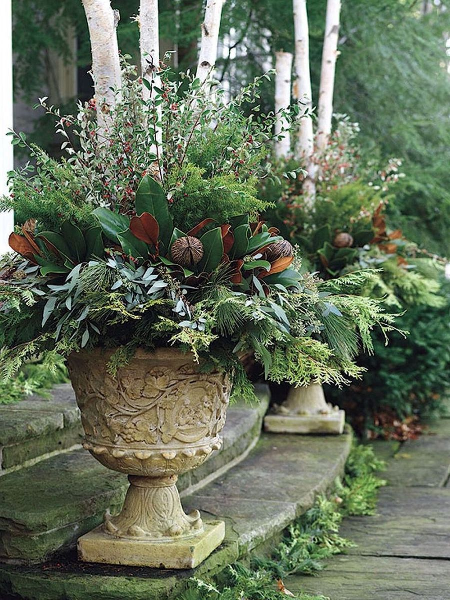 Perfect Outdoor Winter Planters Ideas 26