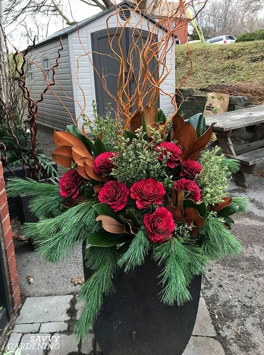 Perfect Outdoor Winter Planters Ideas 30