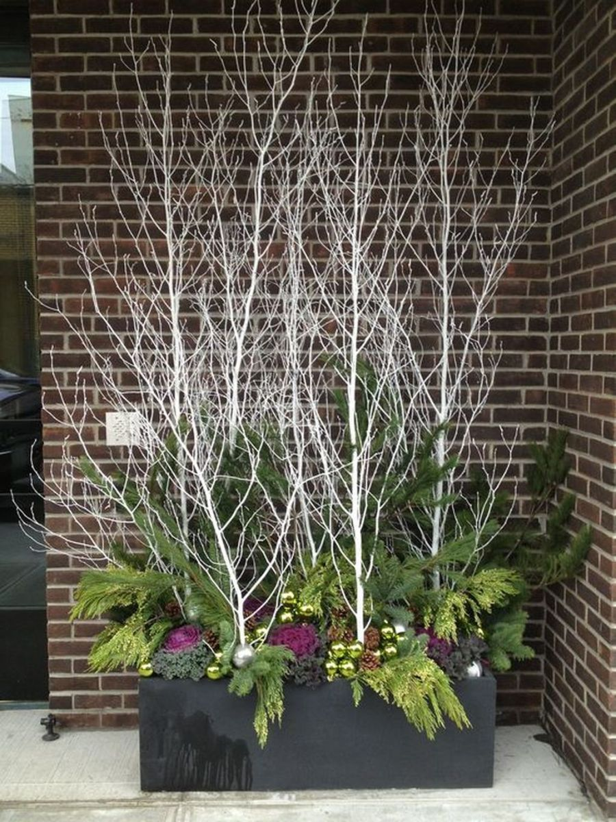 Perfect Outdoor Winter Planters Ideas 35