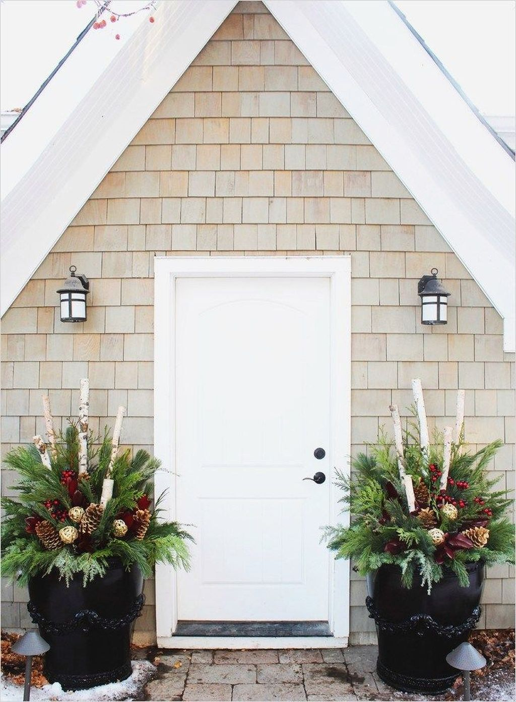 Perfect Outdoor Winter Planters Ideas 37