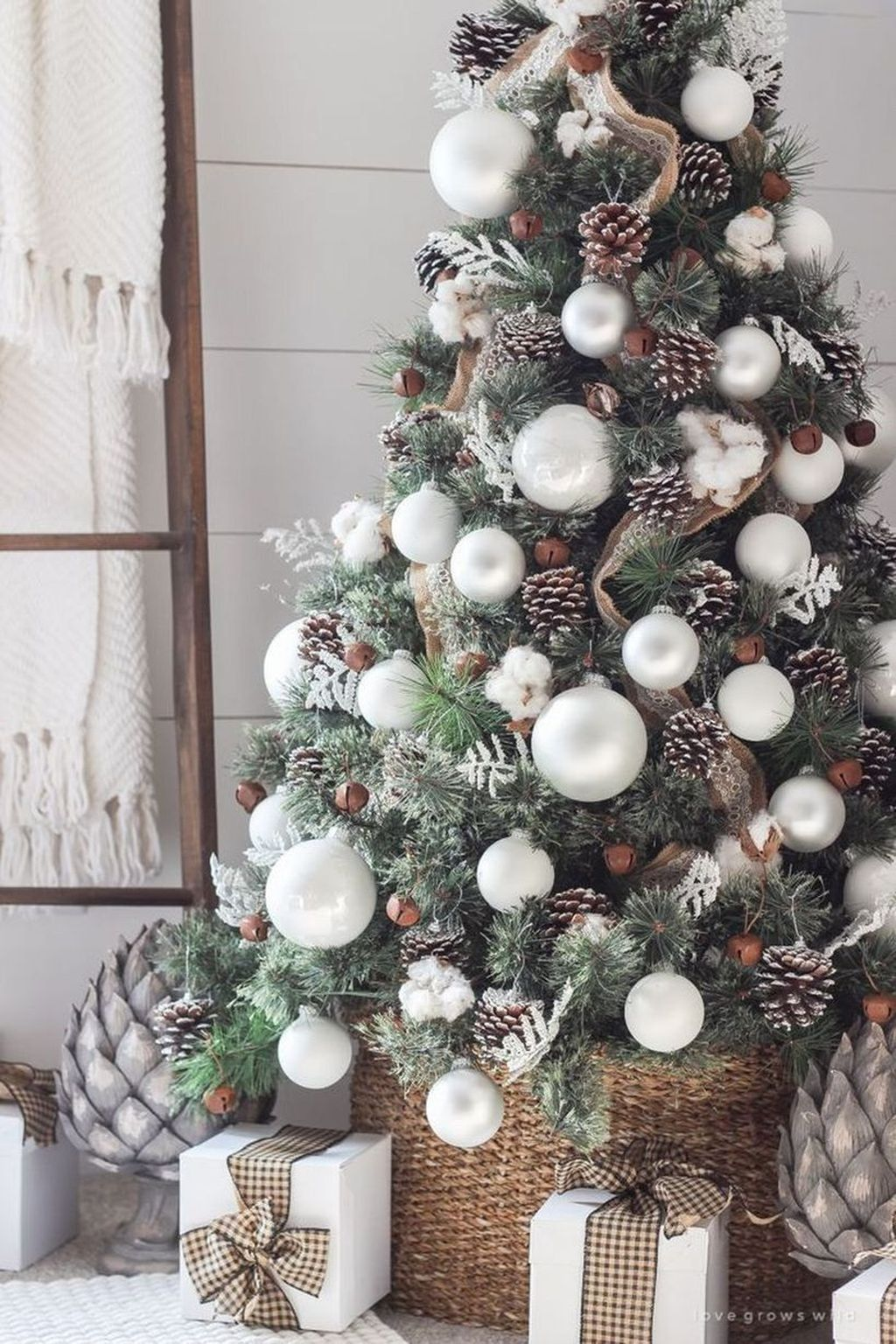 Popular Christmas Theme Apartment Decorations 21