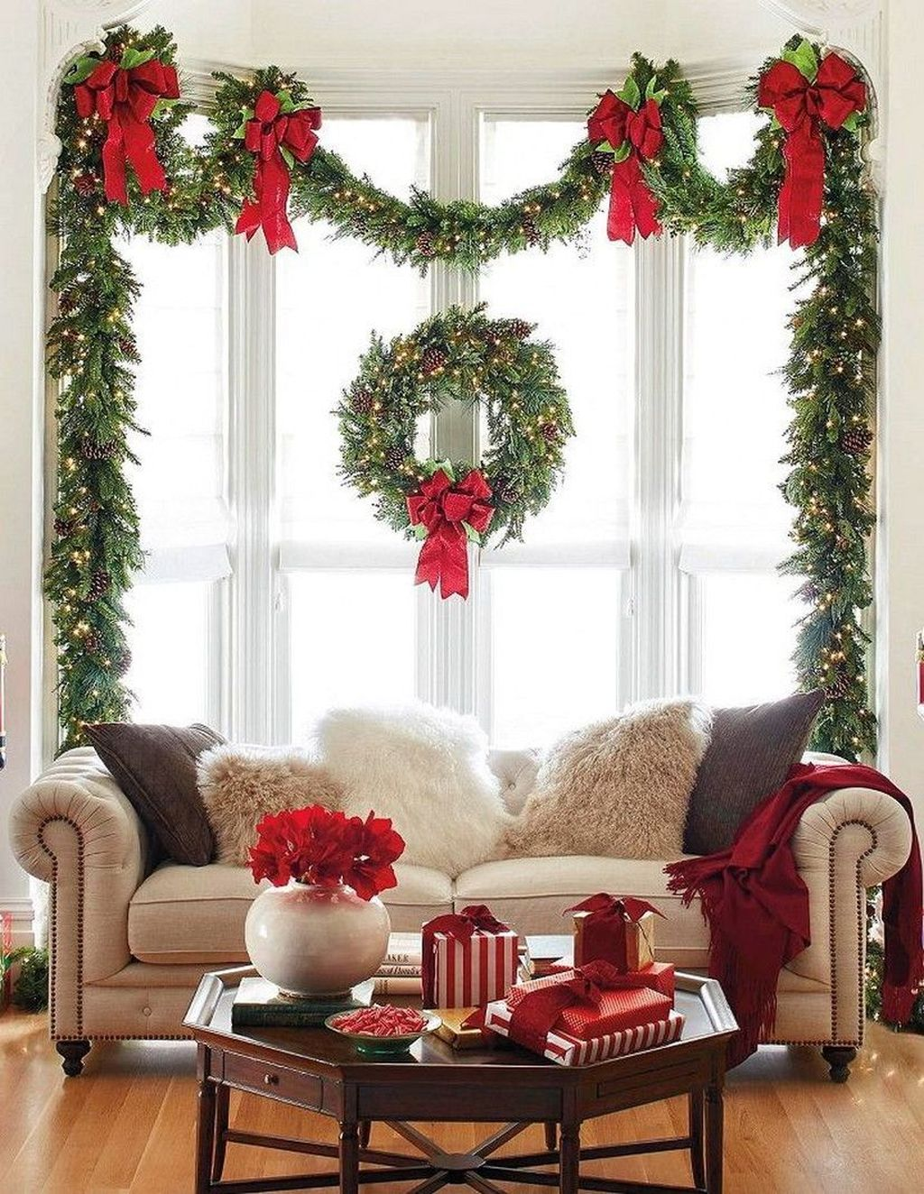 Popular Christmas Theme Apartment Decorations 37