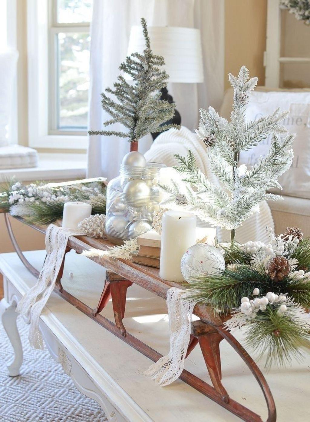 Popular Christmas Theme Coffee Table Decoration Ideas 14