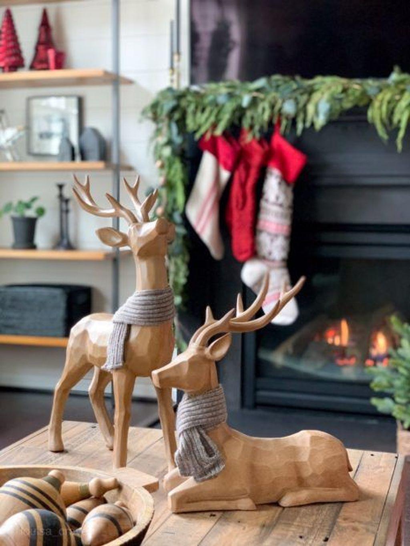 Popular Christmas Theme Coffee Table Decoration Ideas 22