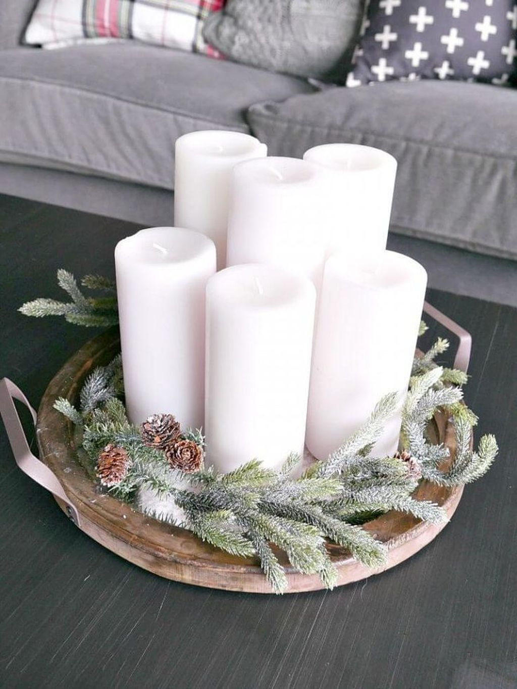 Popular Christmas Theme Coffee Table Decoration Ideas 24