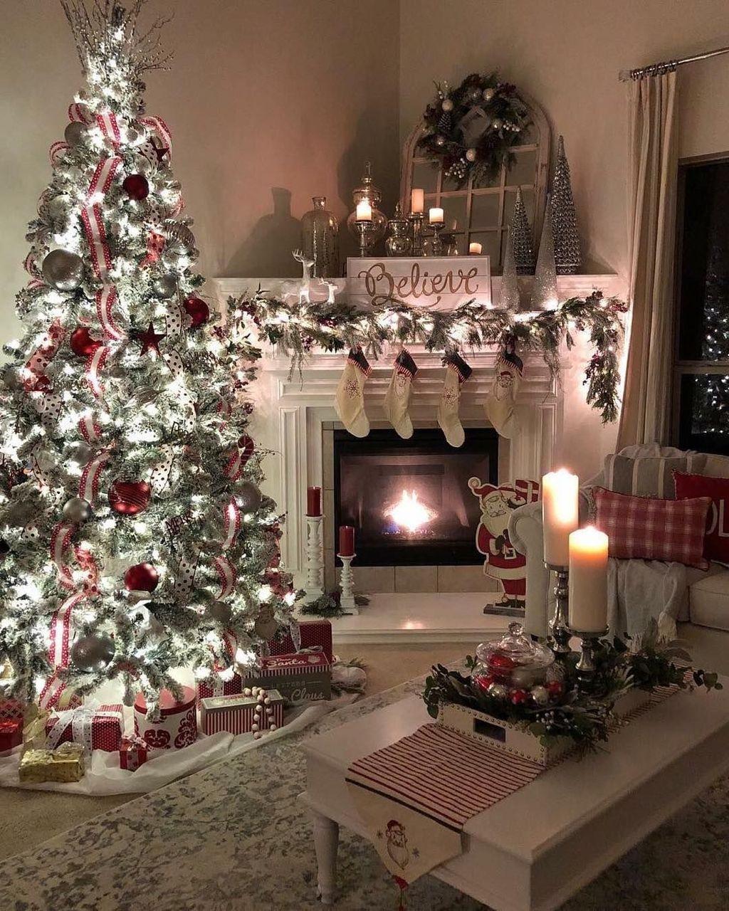 Popular Christmas Theme Coffee Table Decoration Ideas 33