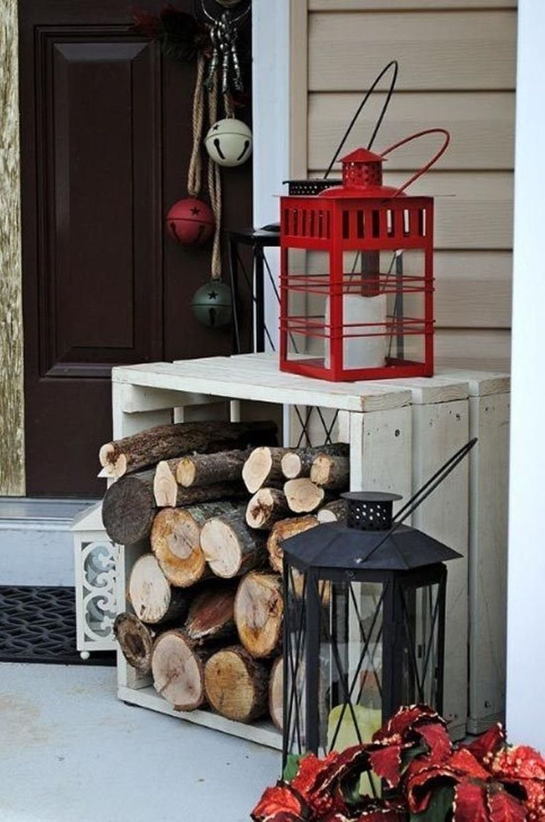 Popular Rustic Winter Porch Decoration Ideas 09