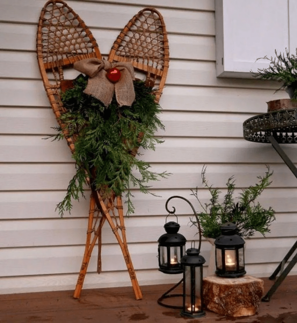 Popular Rustic Winter Porch Decoration Ideas 13