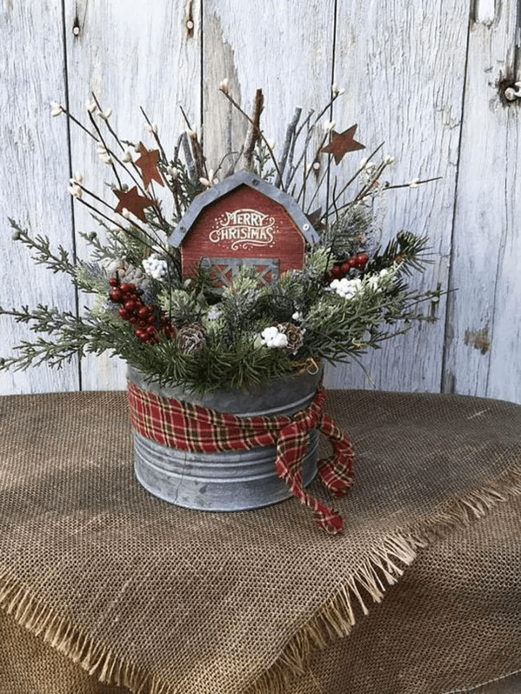 Popular Rustic Winter Porch Decoration Ideas 45