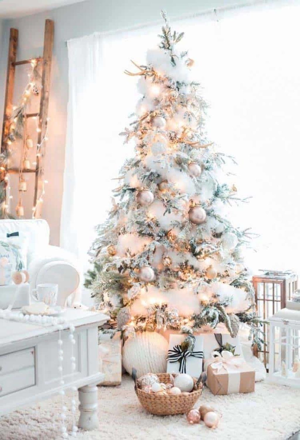 Stunning White Christmas Tree Ideas To Decorate Your Interior 36