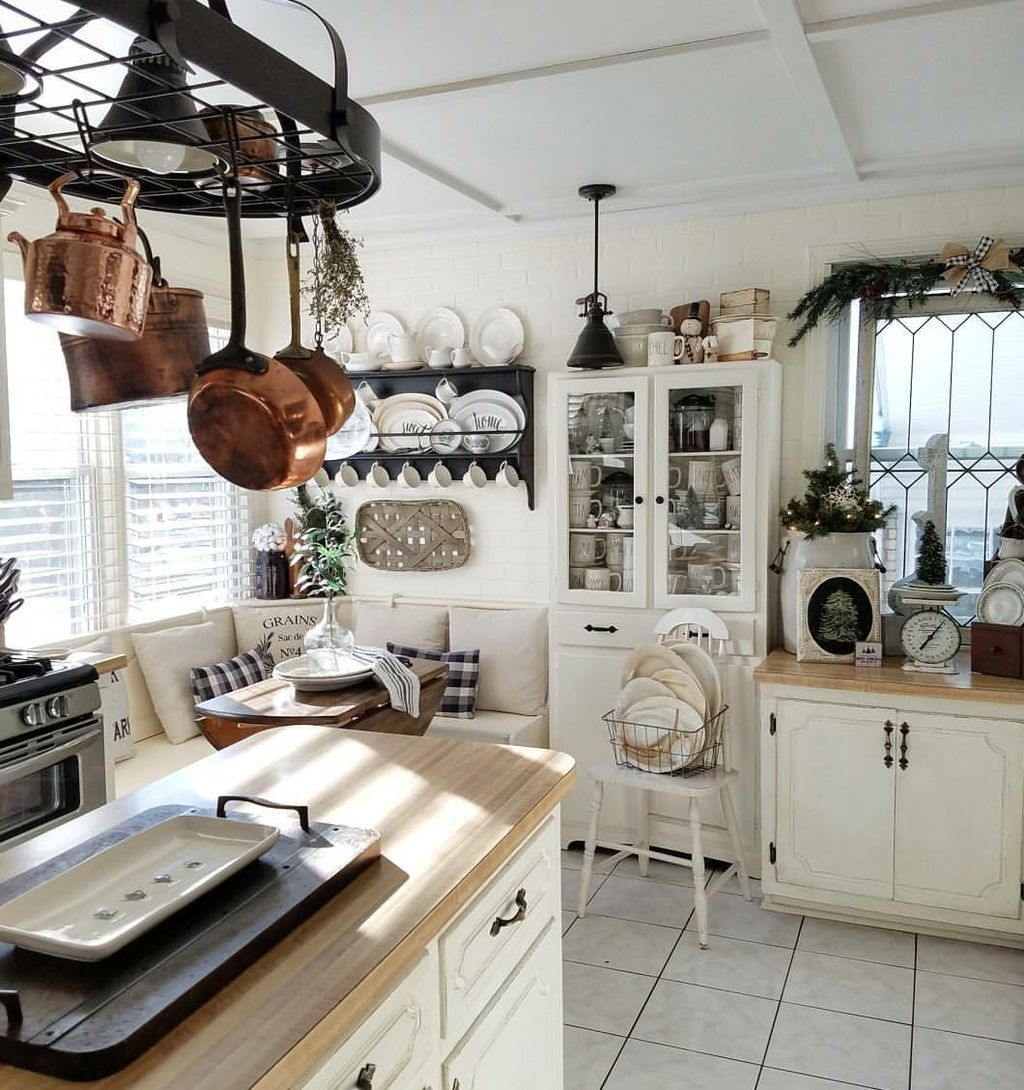 Stunning Winter Theme Kitchen Decorating Ideas 19