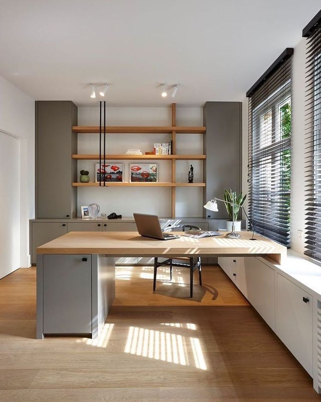 Admirable Modern Home Office Design Ideas That You Like 25
