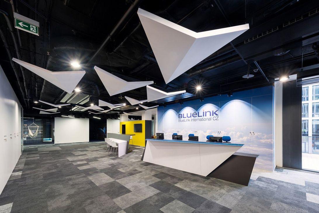 Amazing Open Ceiling Office Design Ideas 09