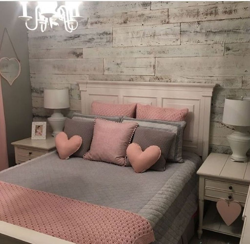 Fascinating Apartment Bedroom Decor Ideas 26