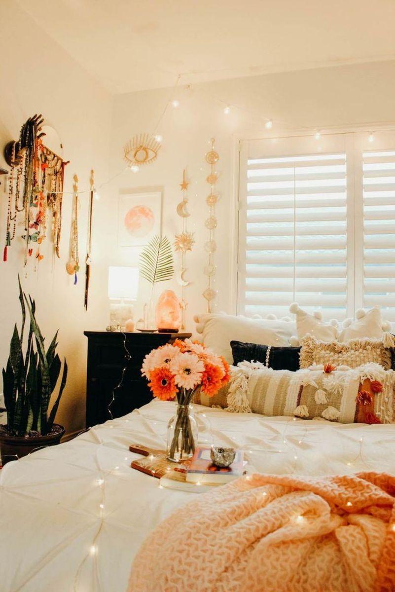 Fascinating Apartment Bedroom Decor Ideas 35