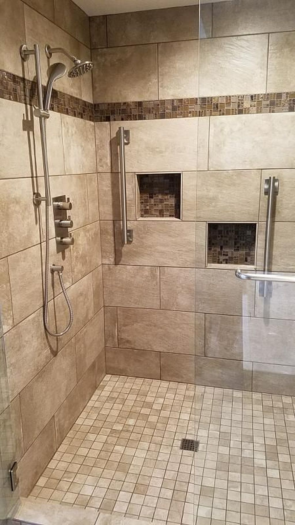 Inspiring Bathroom Tile Showers Design Ideas 08