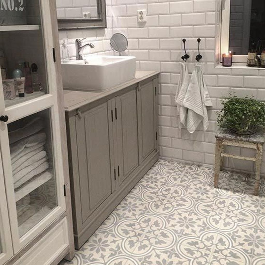 Lovely Bathroom Ceramic Tile Ideas You Should Copy 28
