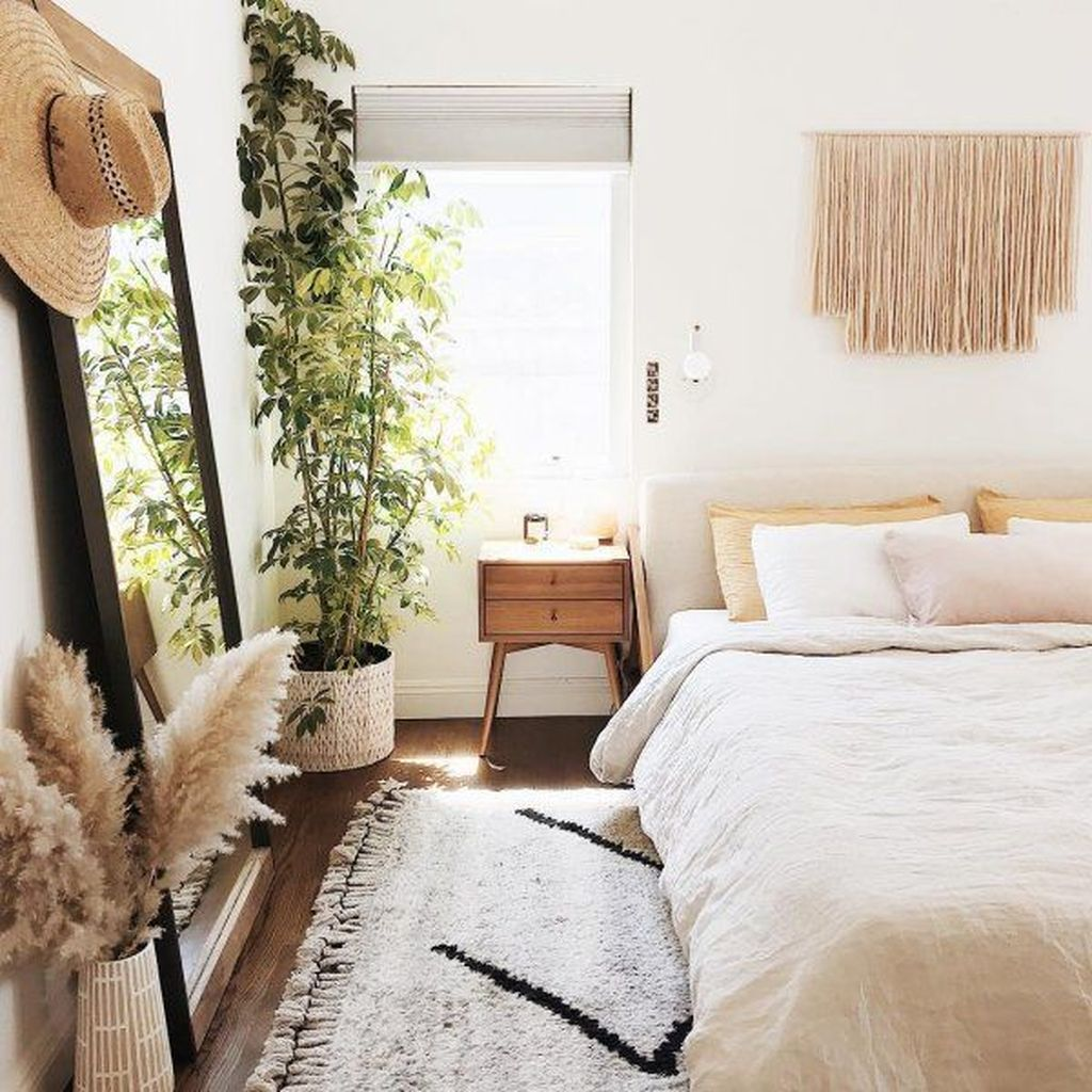 Lovely Bedroom Decor With Plant Ideas 08