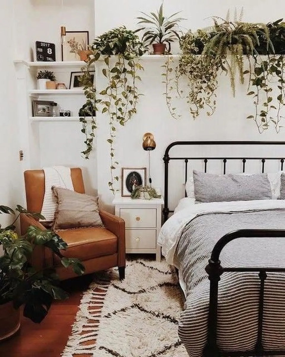 Lovely Bedroom Decor With Plant Ideas 15