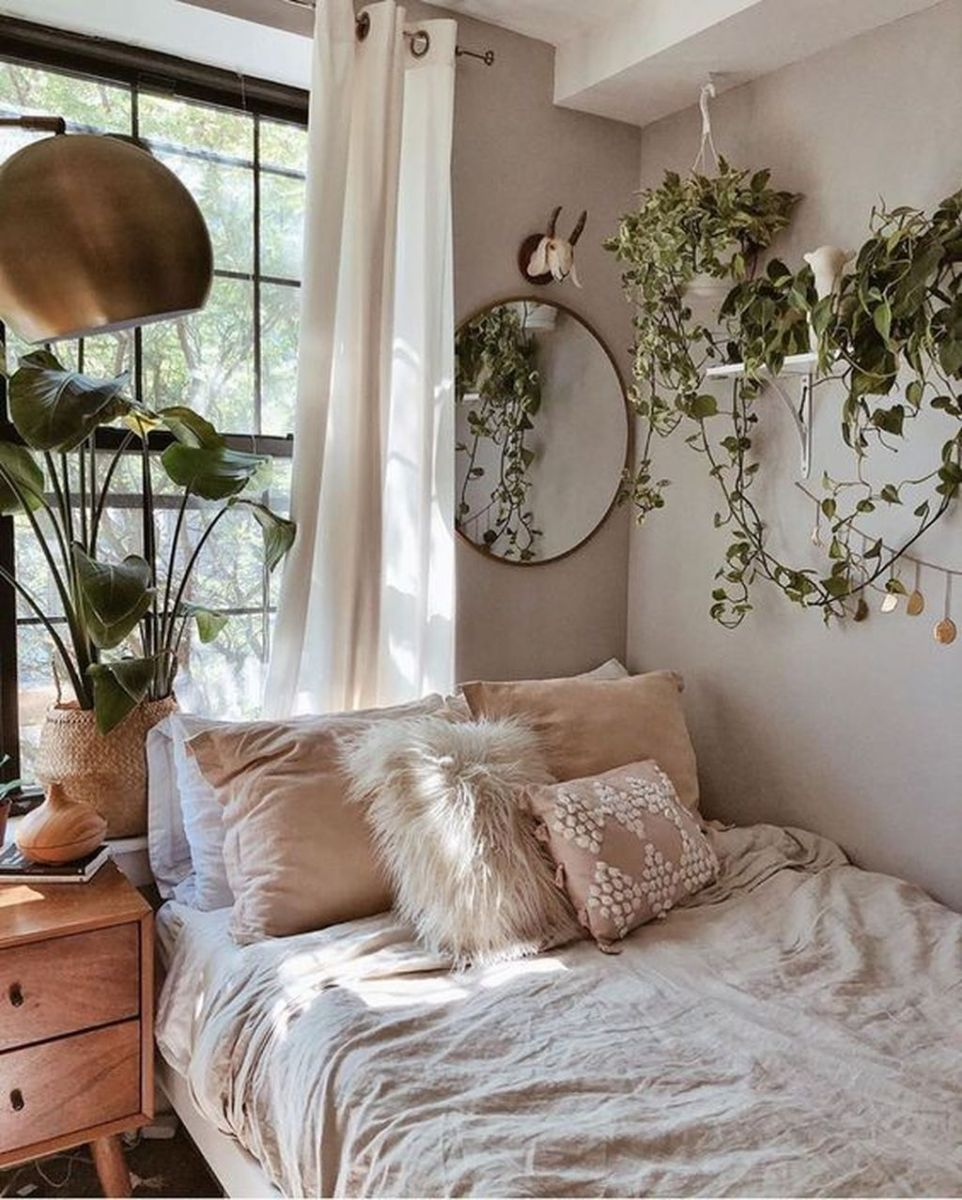 Lovely Bedroom Decor With Plant Ideas 16