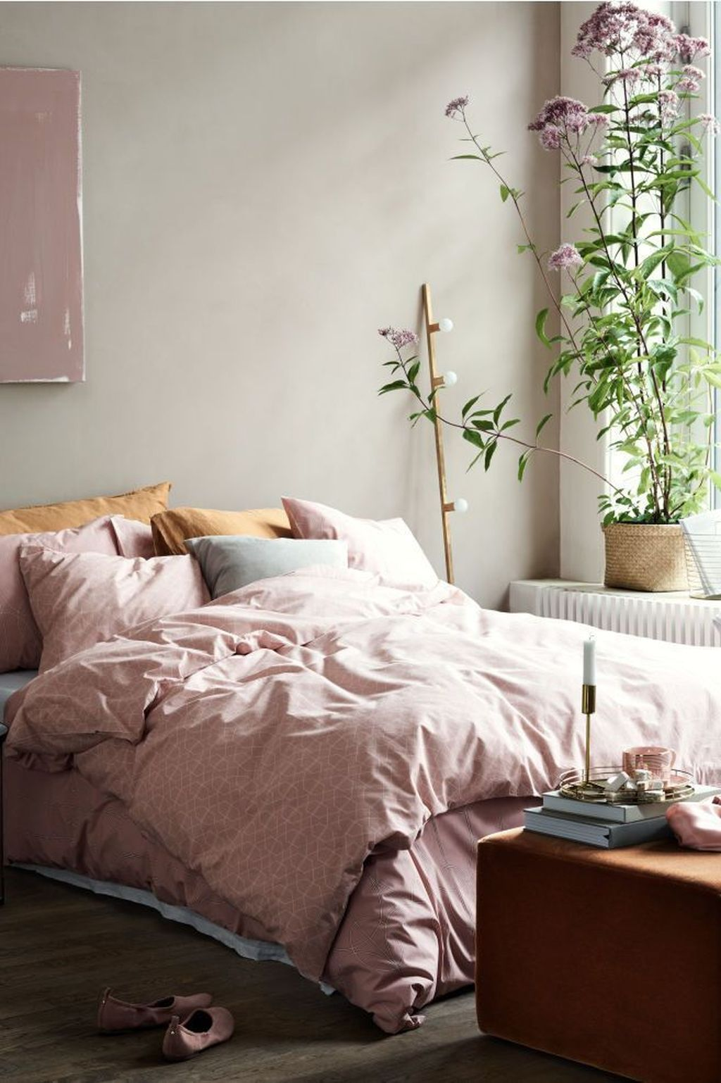 Lovely Bedroom Decor With Plant Ideas 22