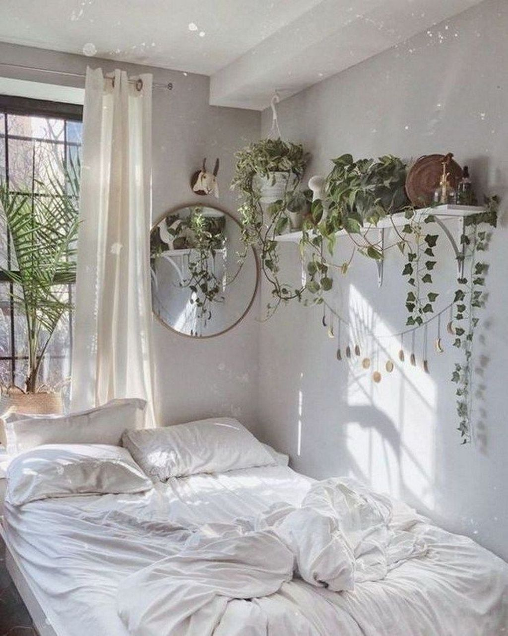 Lovely Bedroom Decor With Plant Ideas 23