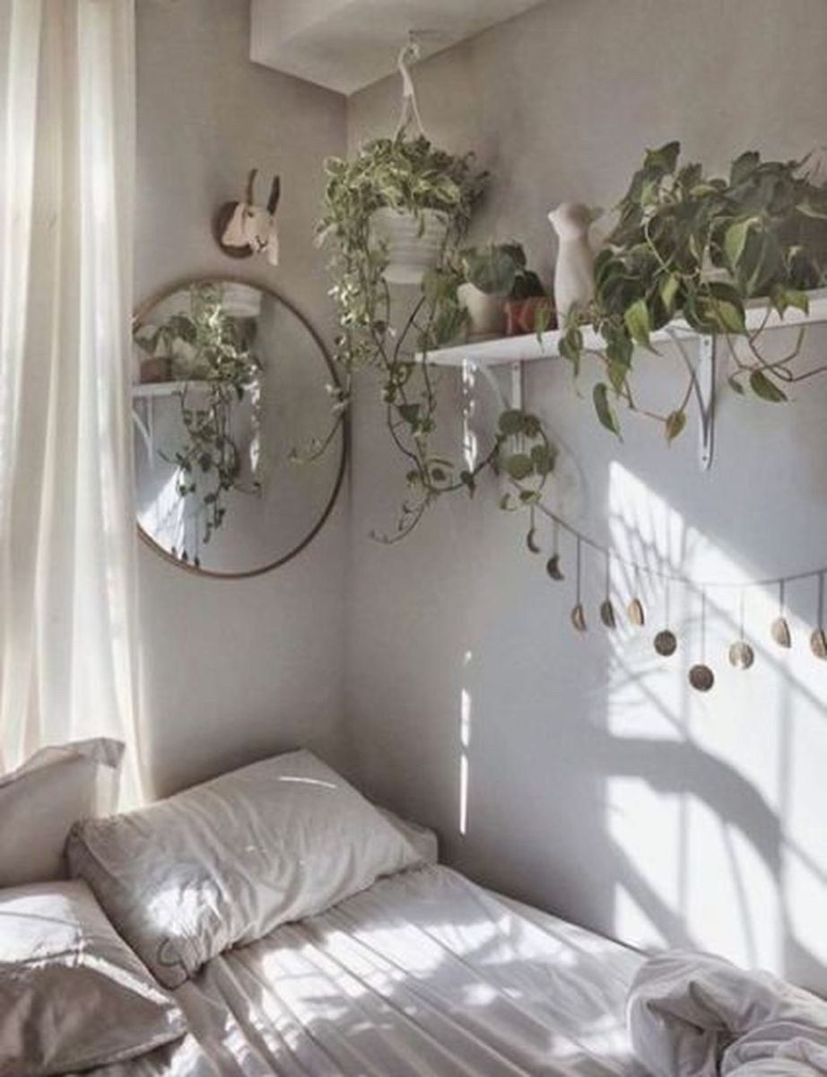 Lovely Bedroom Decor With Plant Ideas 27