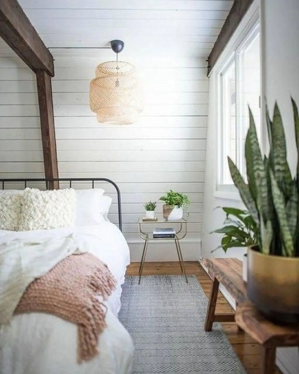 Lovely Bedroom Decor With Plant Ideas 31