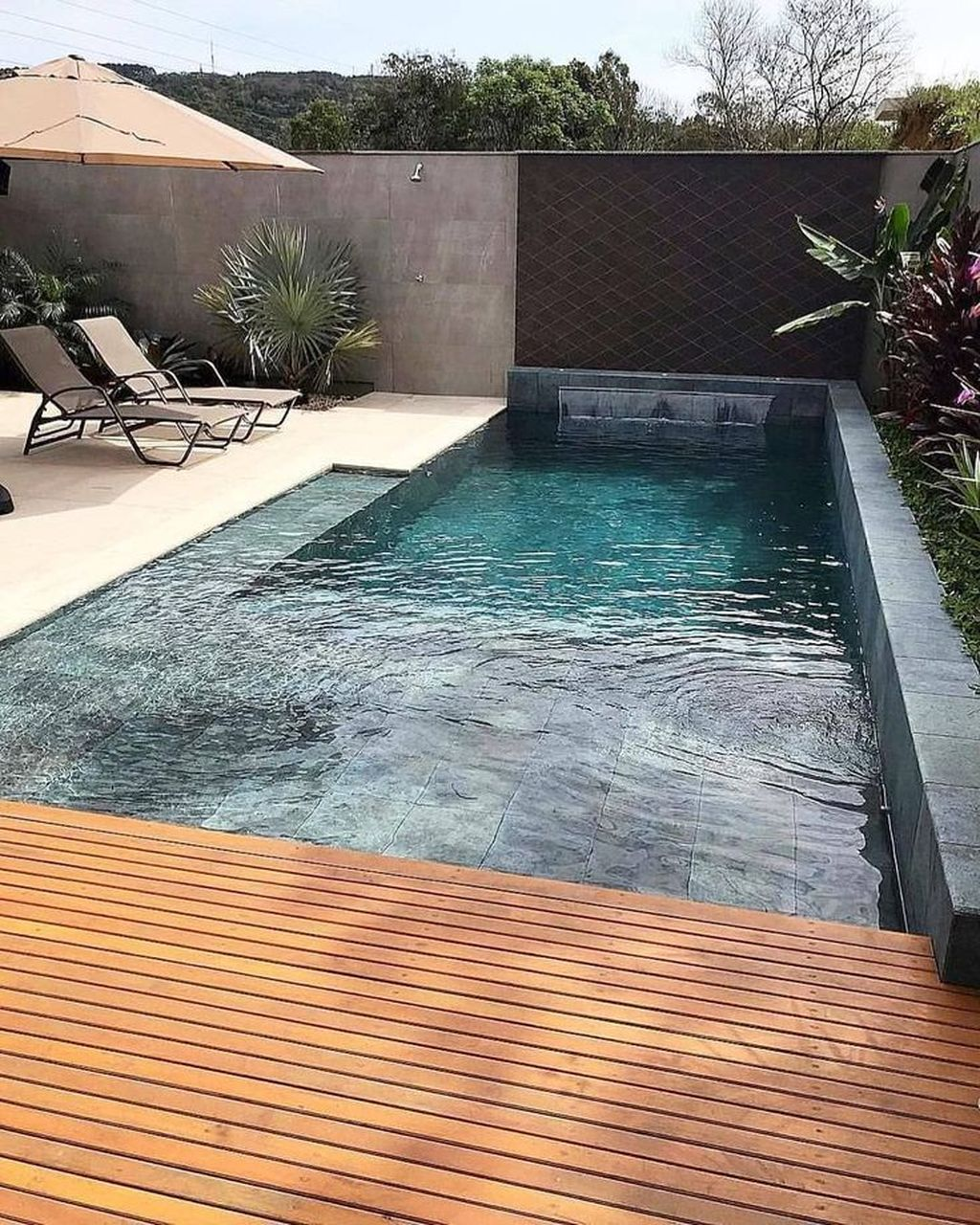 Lovely Swimming Pool Garden Ideas To Get Natural Accent 09