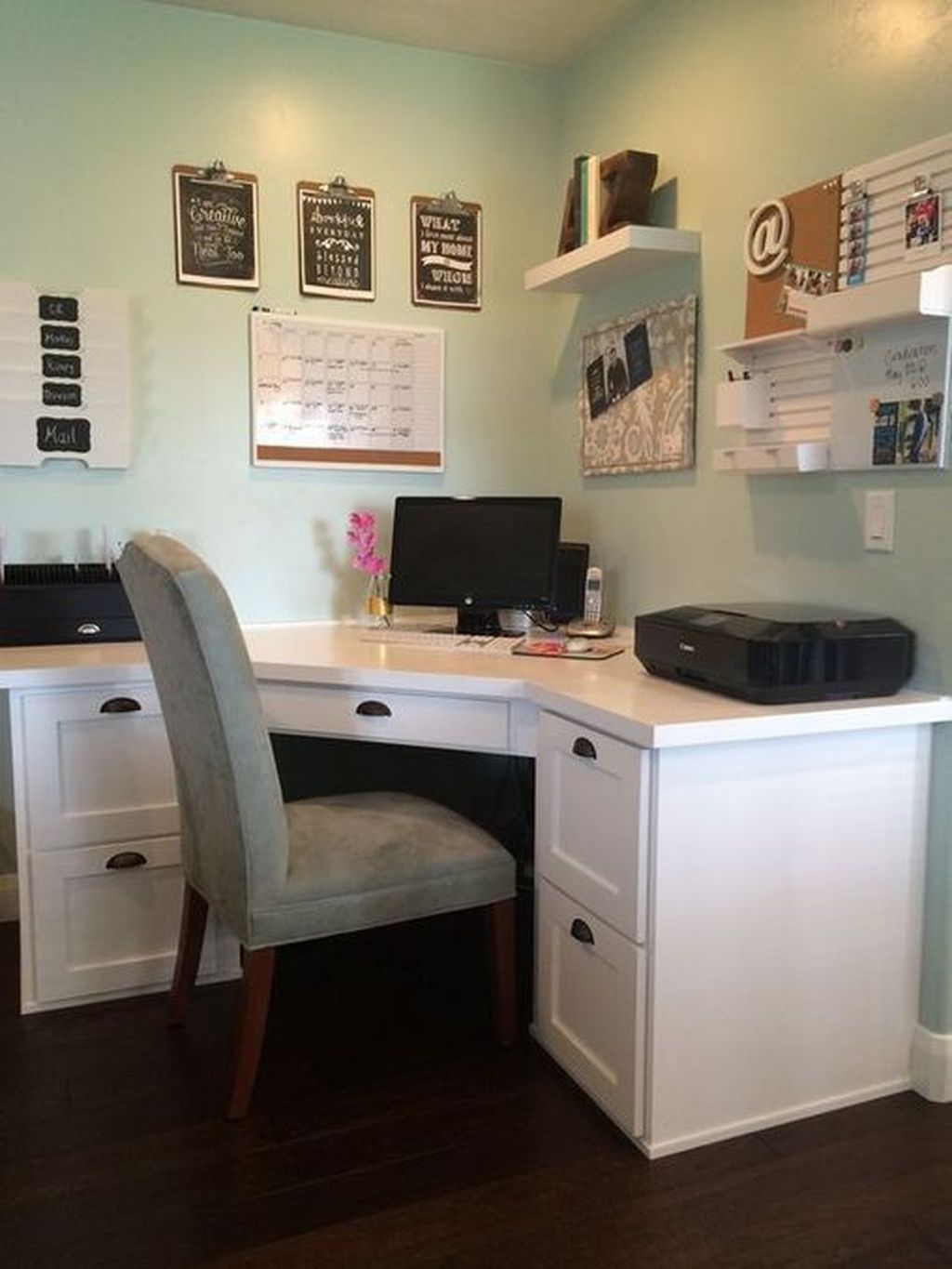 Nice Small Home Office Design Ideas 26