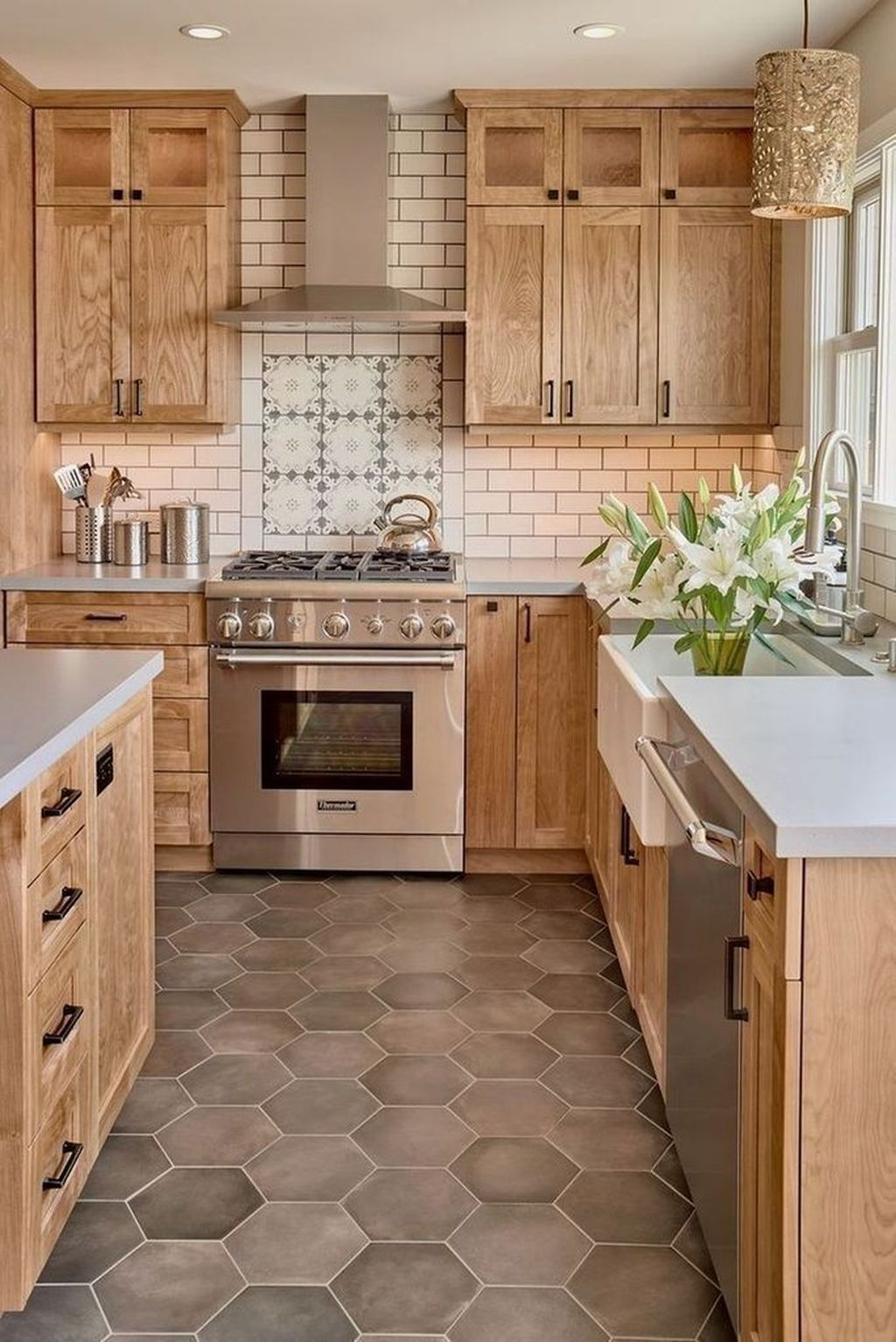 Popular Wooden Cabinets Design Ideas For Your Kitchen Decor 24