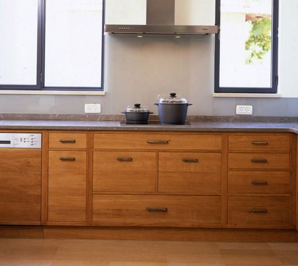 Popular Wooden Cabinets Design Ideas For Your Kitchen Decor 29