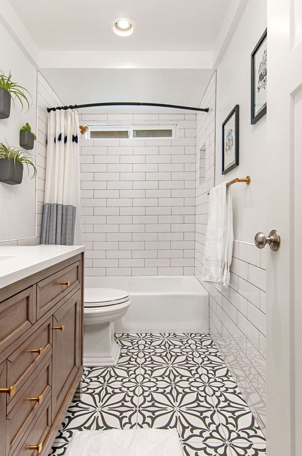 Fabulous Small Bathroom Design Ideas 17