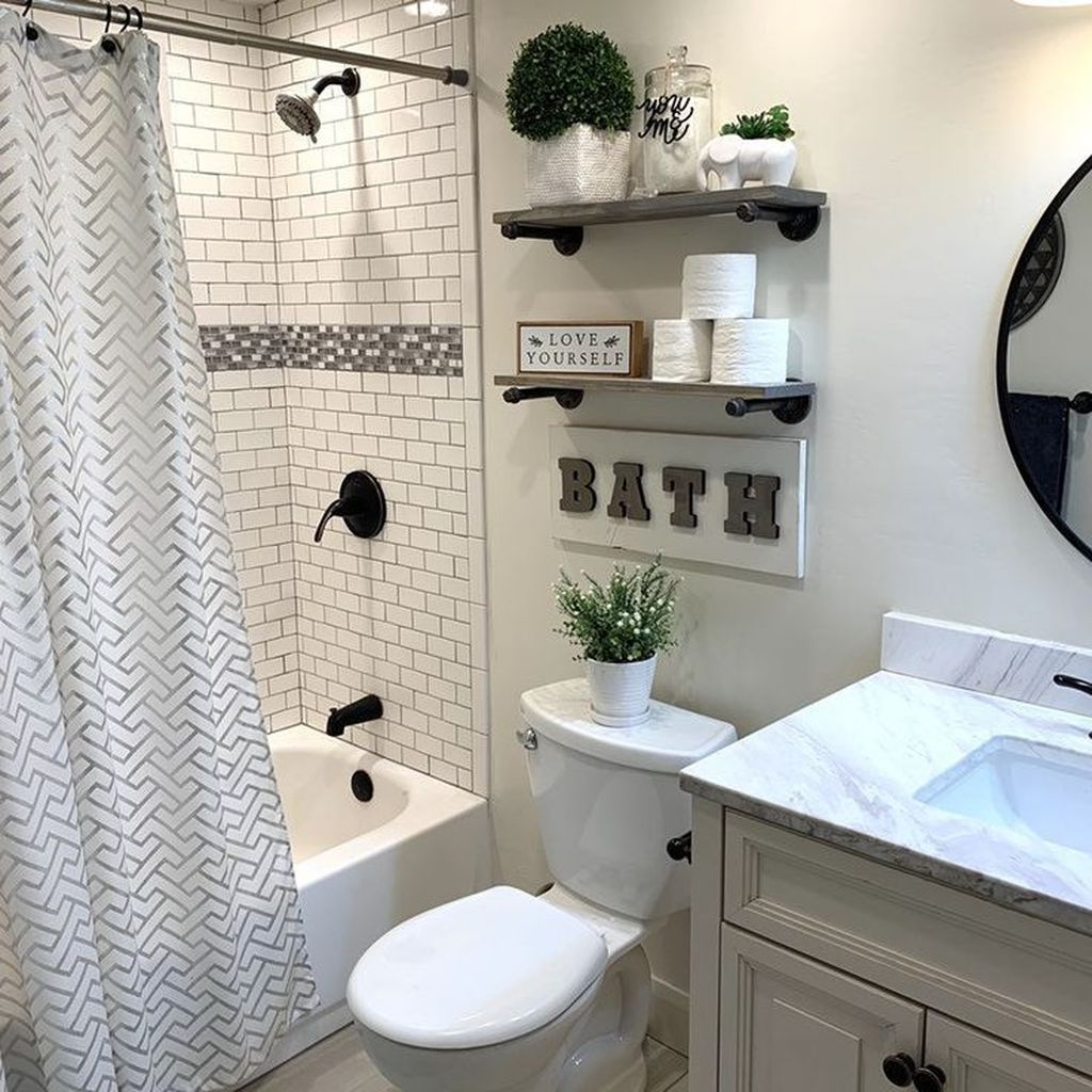 Fabulous Small Bathroom Design Ideas 25