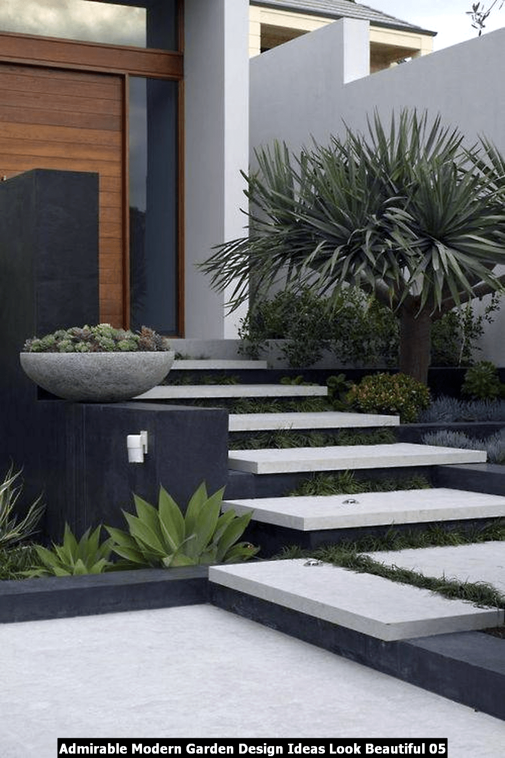 Admirable Modern Garden Design Ideas Look Beautiful 05