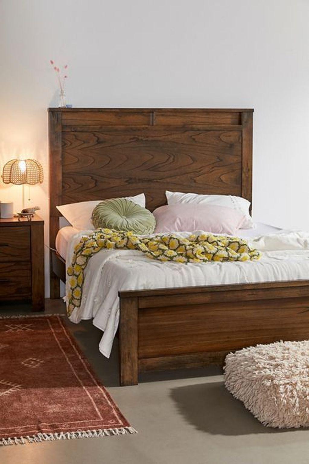 Amazing Vintage Wooden Bed Frame Design Ideas 31