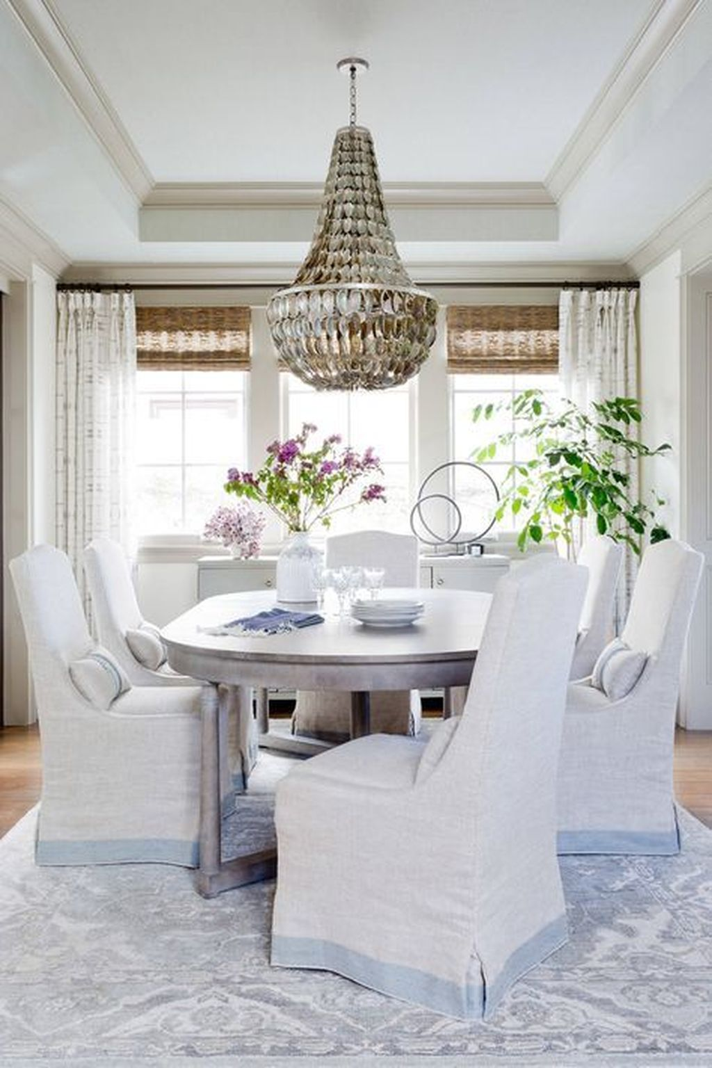 Brilliant French Dining Room Decor Ideas 10