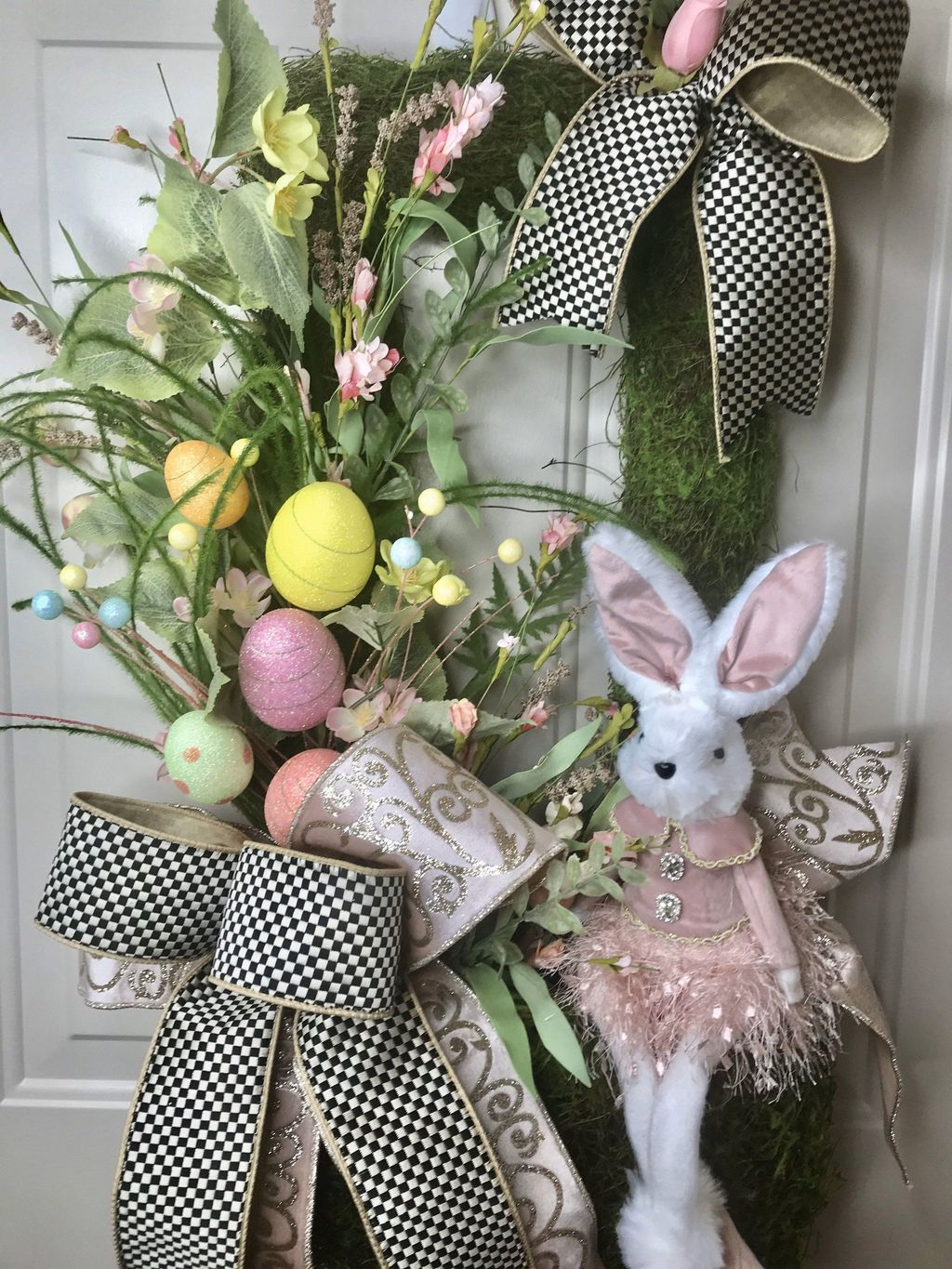 Brilliant Spring Door Wreaths Design Ideas 28