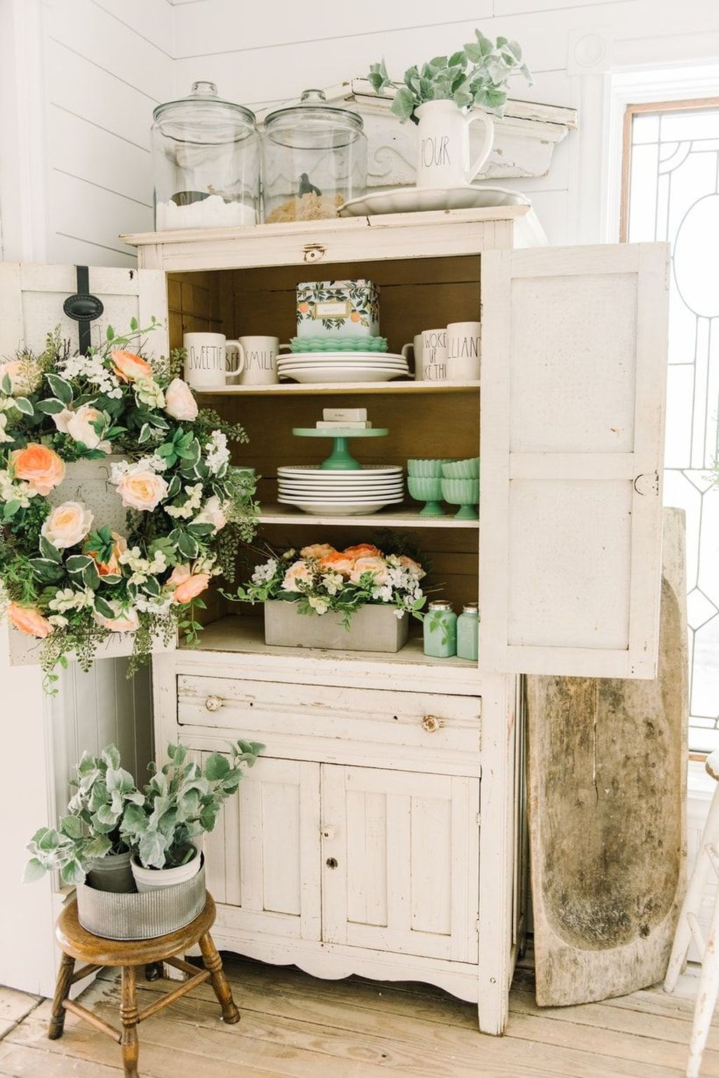 Fascinating Spring Farmhouse Decor Ideas You Should Copy 27