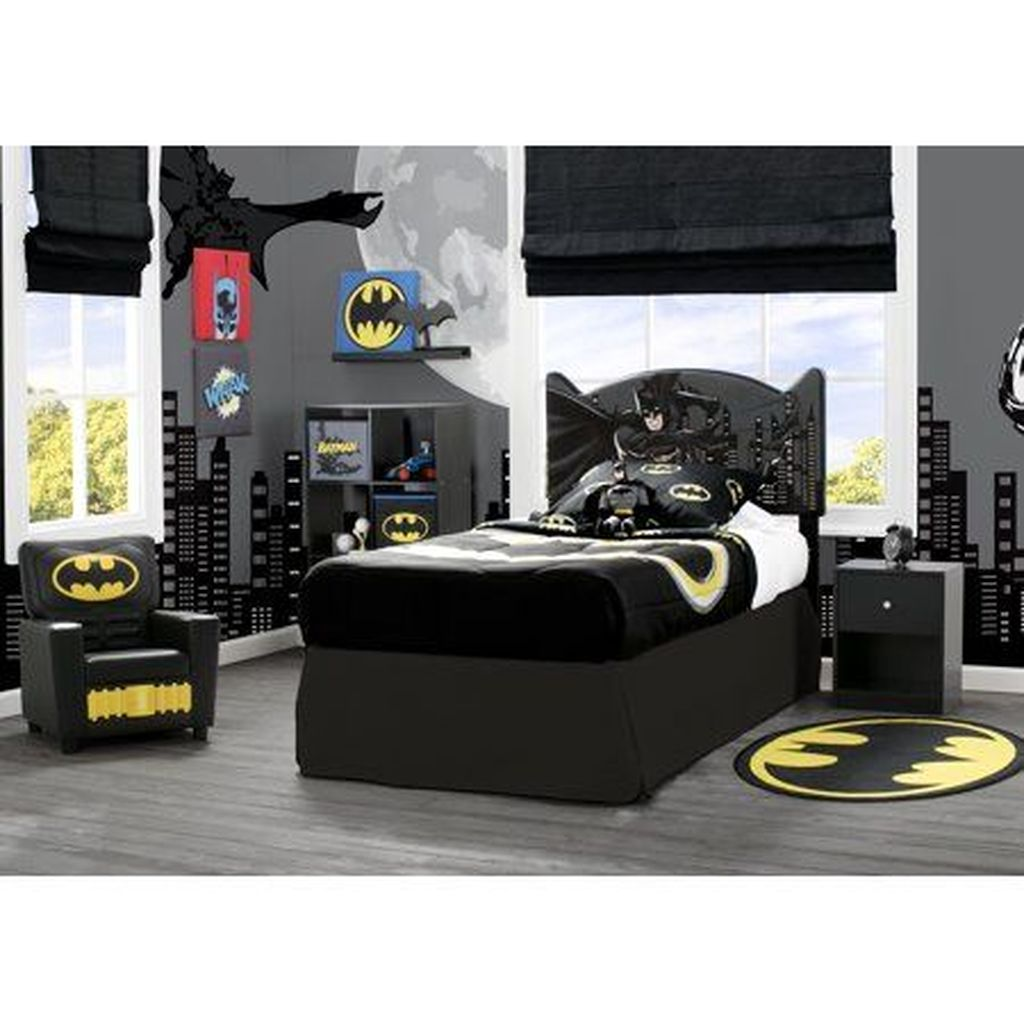 Fascinating Superhero Theme Bedroom Decor Ideas 02