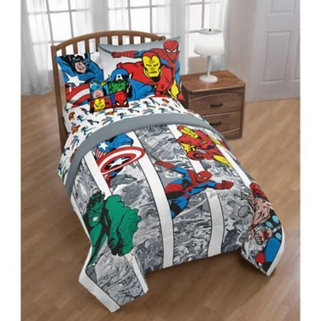 Fascinating Superhero Theme Bedroom Decor Ideas 04