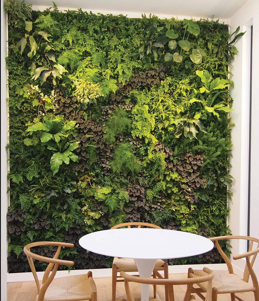 Popular Vertical Garden Wall For Outdoors Decor 02