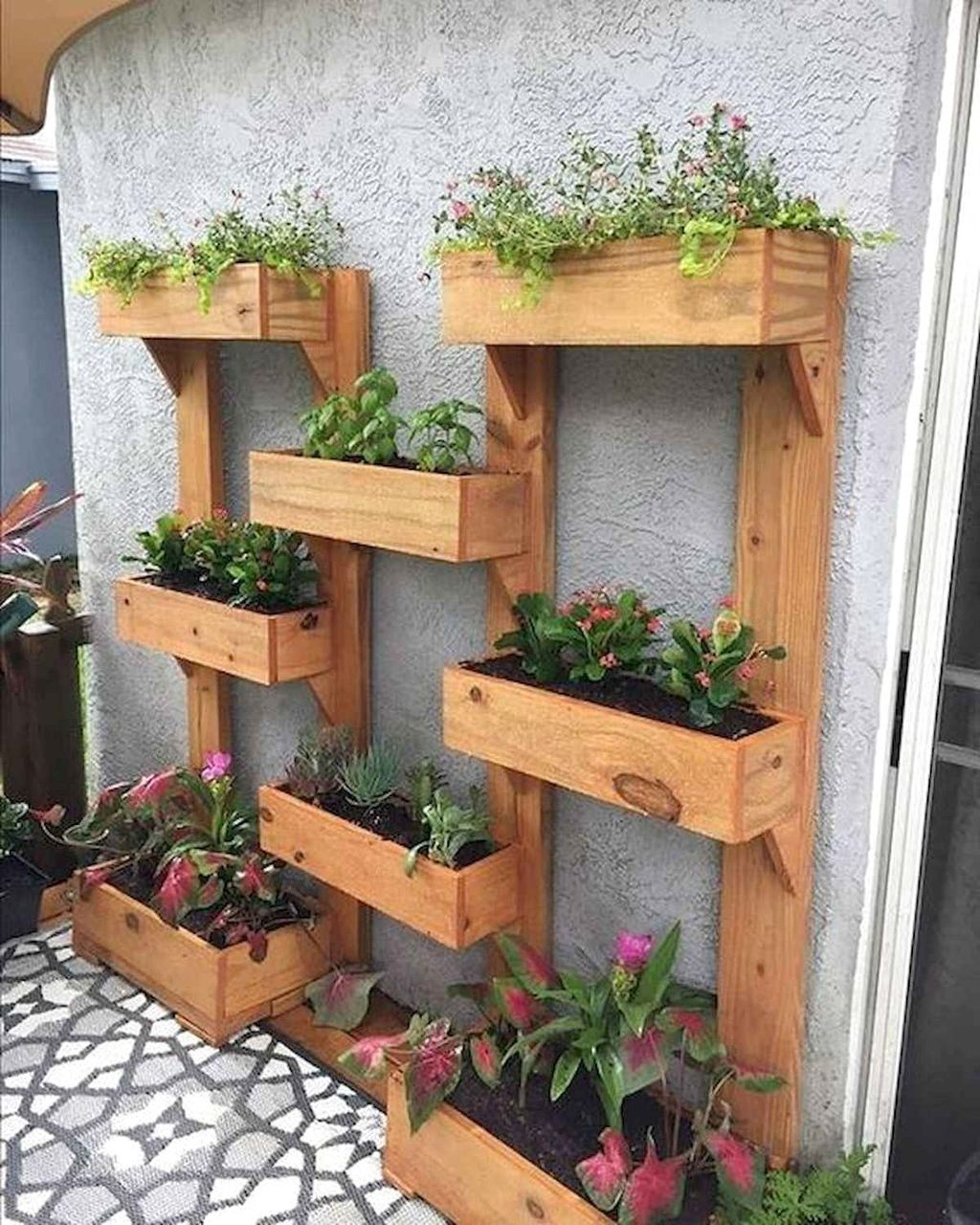 Popular Vertical Garden Wall For Outdoors Decor 03