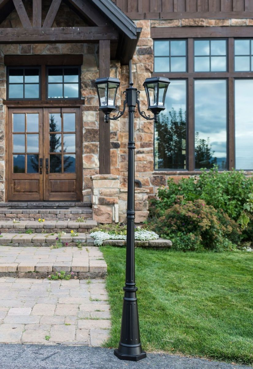 Stunning Outdoor Lamp Posts For Front Yards Decor 16