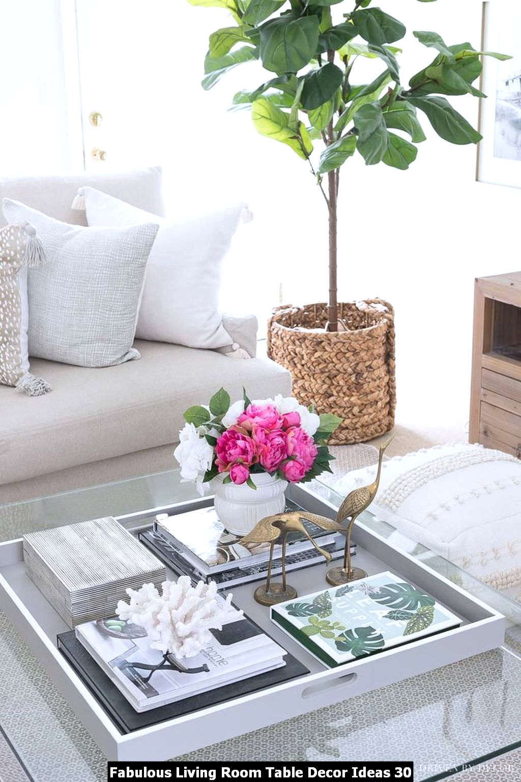 Fabulous Living Room Table Decor Ideas 30