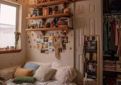 Vintage Aesthetic Bedroom Decor
