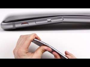 iPhone 6 Plus Bend Test, le smartphone qui se plie – unboxed therapy – YouTube #bendgate