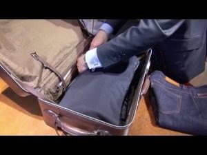 Comment plier un costume pour le voyage ? YouTube
