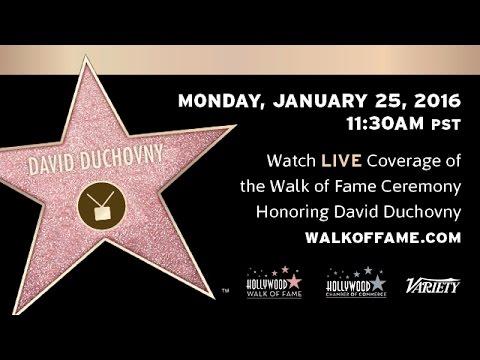 David Duchovny est sur le Walk of Fame en direct