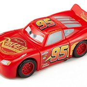 Cars-DYW39-Vhicule-Twisted-Crashers-Mcqueen-0-0